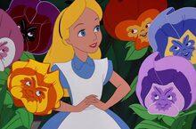 Alicia y el Sombrerero en el país de los dulces