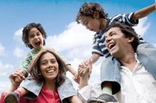 Imagen familia feliz programa RyC