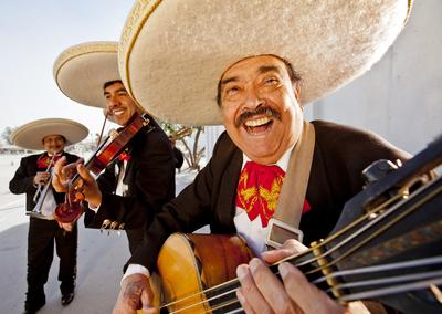 Serenata con el Mariachi Monterrey