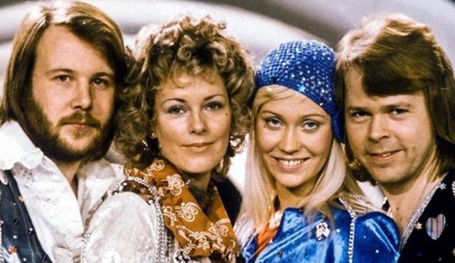 Homenaje a ABBA con César Escola, Luz Amparo Álvarez, Conny Medina y Ricardo Prado