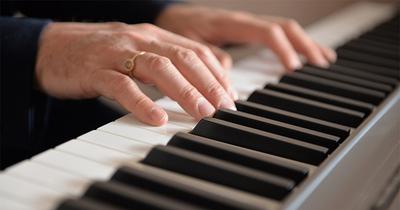 Coonectados: Tertulia Musical